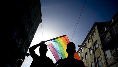 Tüntetnek a Kossuth téren a homofóbtörvény ellen
