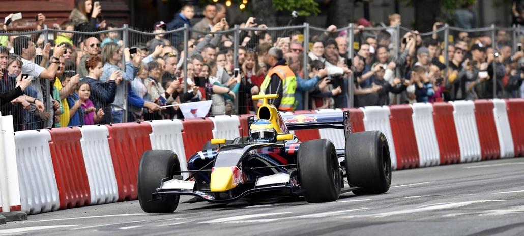 mti.17.05.01.Baumgartner Zsolt az V. Nagy Futam elnevezésű autó- és motorsport-bemutatón
