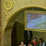 Az új momentumos aláírásgyűjtéstől nem reszket a kormány