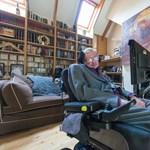 6 óra alatt 1 millióan követték be Stephen Hawking új csatornáját