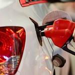 Örülünk: mától hajszállal olcsóbbak az üzemanyagok