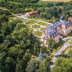 Fotók: 8 milliárdért eladó egy gyönyörű kastély Vas megyében