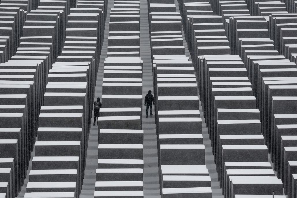 AP! hét képei - Berlin, Holokausz-emlékmű 2014.01.27. Holokauszt Nemzetközi emléknapja