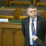 MÚOSZ: Törvényellenesen tiltják ki az újságírókat a parlamentből