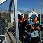 """""""Példátlan áradat"""" - akár két évre lezárnák a határokat az EU tagállamai"""
