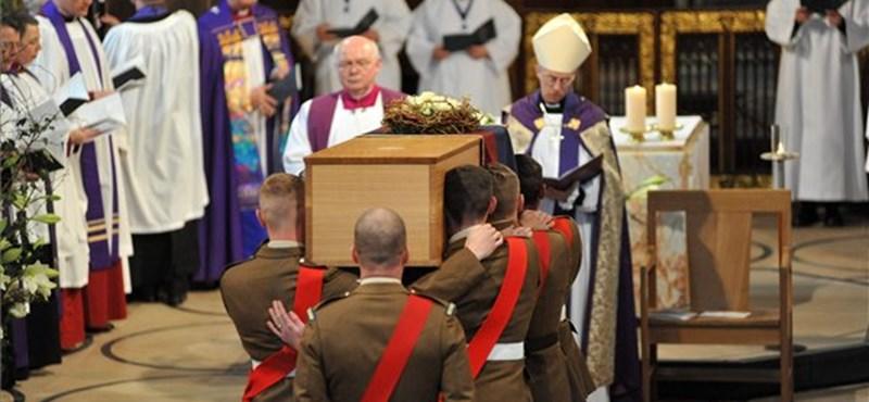 Ma újratemették az 530 éve megölt angol királyt - fotók
