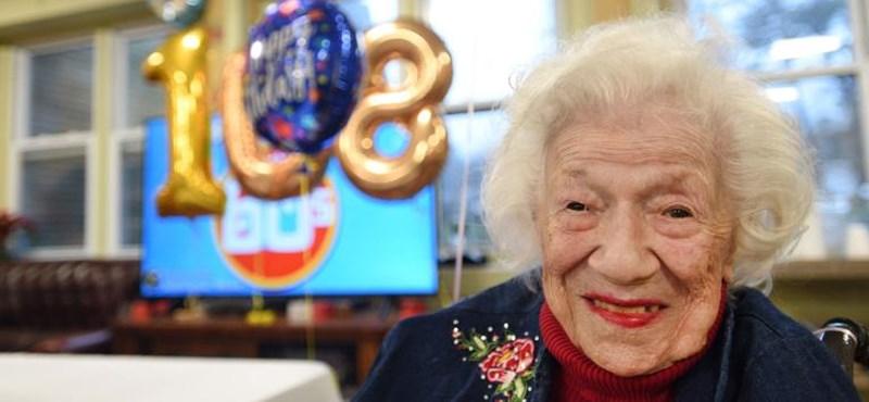 Felgyógyult a koronavírusból egy 108 éves amerikai nő