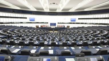 Profil: csak Magyarországon uszítanak egy egész armadát a hatalom ellenségeire