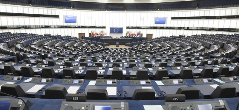 Megszavazta az Európai Parlament, tényleg jöhet a Brexit