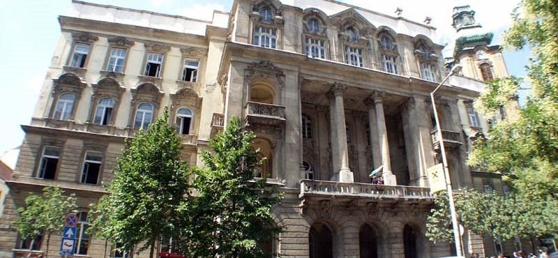 Végleg padlóra küldi Hoffmann a jogi egyetemeket - megszűnik az ingyenes képzés