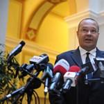 Schmitt ötös bizottsága: a nevek titkosak, a személyek magyarok