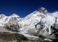 Útra kelt a csoport, amelyik megméri a Mount Everest magasságát
