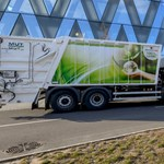 """Alig 4000 forintért """"tankolják"""" az elektromos kukásautókat, amilyet Debrecenben is használnak"""