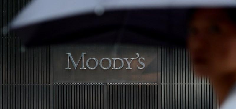 Nyögi a Brexitet London: leminősítette Nagy-Britanniát a Moody's