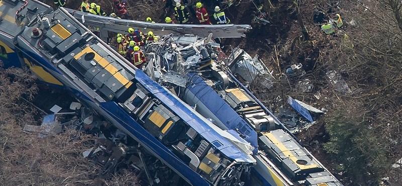 Emberi mulasztás okozhatta a bajorországi vonatkatasztrófát