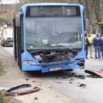 BKV-busz karambolozott Nagykovácsiban, csecsemő is súlyosan megsérült