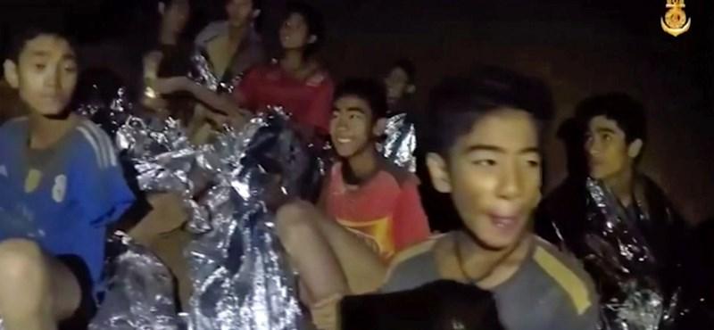 Kalandjaikról meséltek a barlangból kiszabadított thai fiúk
