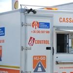 Szépen kaszál egy külföldi közvetítő a külföldi rendszámos autók magyarországi útdíjbírságain