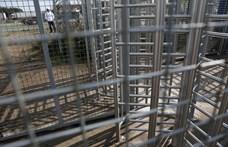 Minimális politikai kárral megúszhatják Orbánék a tranzitzónák kényszerű bezárását