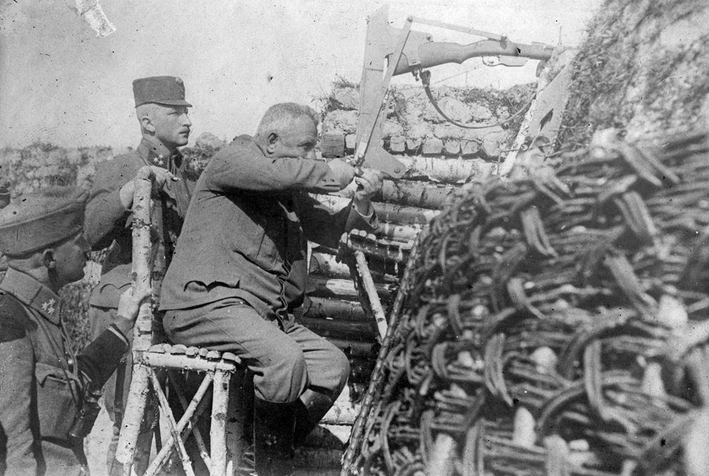 NE használd_! - Magyar fotográfusok háborús képei 100 éve és ma - nagyítás - Lövészek - 1914.