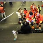 Az alagúton keresztül mentették ki a 2-es metró utasait