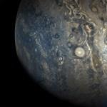 Látott már óriási vihart? Mutatunk egyet: közelről is lekapták a Jupiter tomboló időjárását – fotó