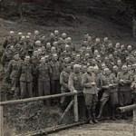 Kiállították a náci haláltábor foglyainak rajzait