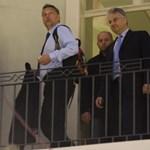 Orbán bemutatta új hátizsákját a Facebookon