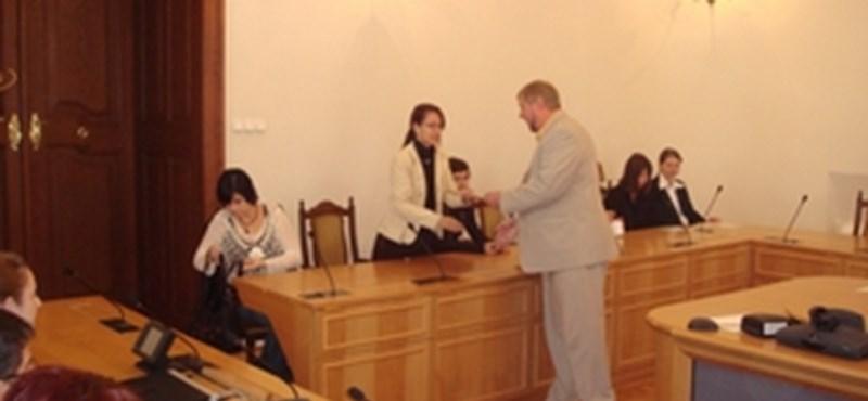 Köztársasági ösztöndíjakat adtak át az EKF-en