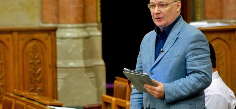 Polt Péter elvetetné az MSZP-s mentelmi jogát ittas vezetés miatt