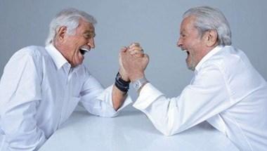Hülyéskedő Jean-Paul Belmondo és Alain Delon fotóival ünnepel egy 70 éves francia hetilap