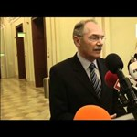 Elküldték a selyemzsinórt Schmittnek - videó