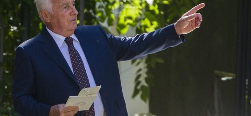 Furcsa pénzmozgásra bukkantak az Orbán család cégénél