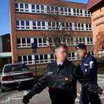 Kiengedték a kórházból a tiszaújvárosi iskolában megkéselt diákot
