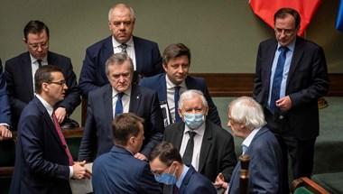 Washington Post: Beindult az illiberális lengyel sajtódaráló