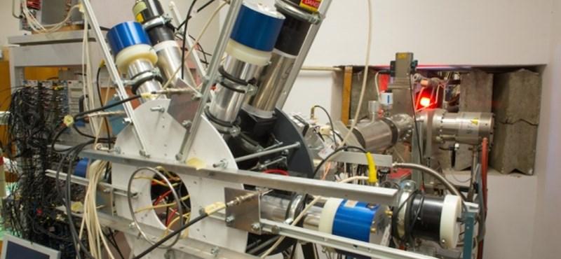 Izgalomba jöttek a világ fizikusai: magyar kutatók megtalálták az 5. erőt?