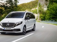 Zöld rendszám és 7 üléses kedvezmény egyszerre: íme a Mercedes EQV