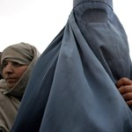 Fordulat: nem lesz betiltva a burka Hollandiában