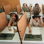 Döntöttek: három évig nyelvvizsga nélkül is lehet diplomát szerezni