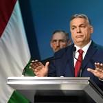 Az egyik kezével elvette, a másikkal rögtön vissza is adta magának a hatalmat a Fidesz
