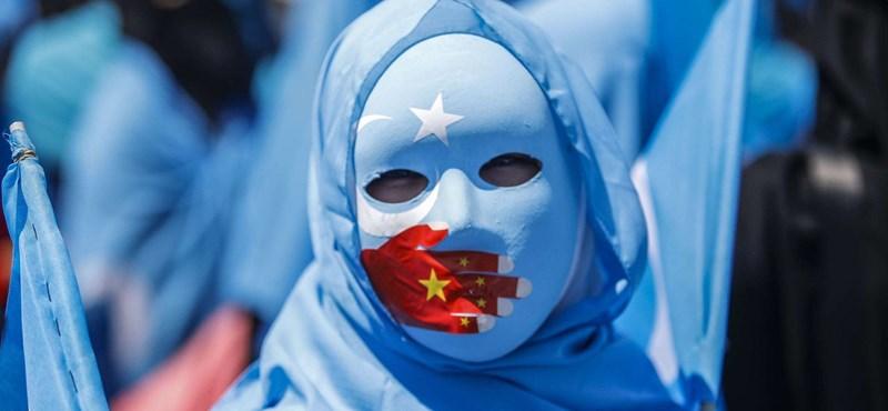 Se ha descubierto un enorme campo de petróleo en la tierra de los uigures.