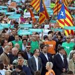 Katalán függetlenség: 450 ezres tüntetés volt Barcelonában