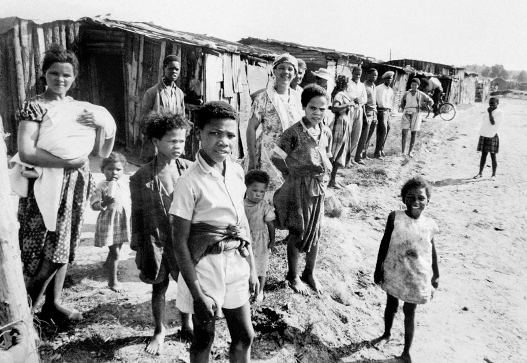 afp.1960. - Feketék nyomortanyája valahol Dél-Afrikában - Apartheid nagyítás