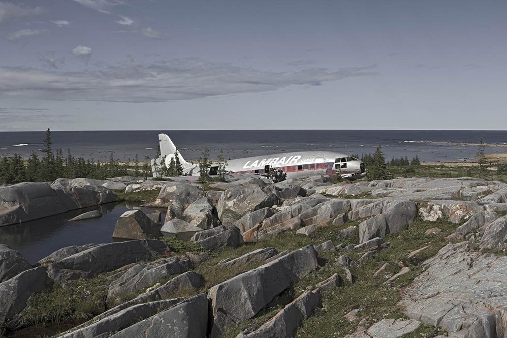 NE HASZNÁLD!! nagyításhoz kértük a fotóstól - e. lezuhant repőlő, happy end - happy end 5 2, Curtiss C-46 Commando, Nov 1979, Manitoba Canada