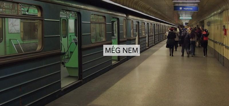 A GIF vége azt mutatja meg, hány metróvonal fog elkészülni Kínában, amíg Budapest felújítja a 3-ast
