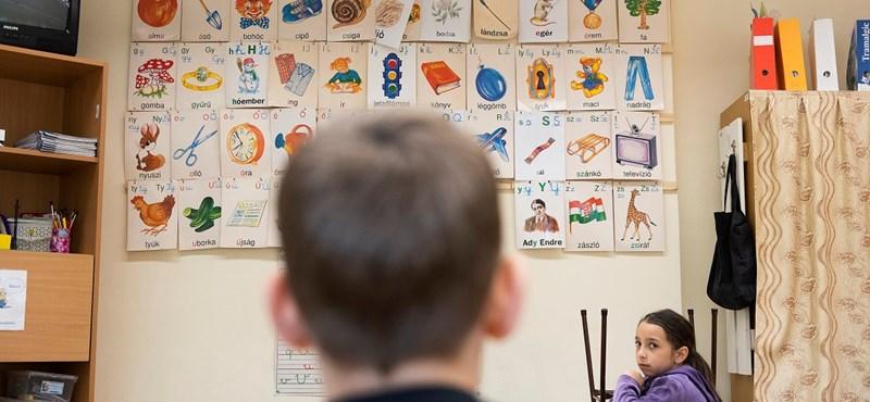 Októbertől kötelező lesz lázat mérni iskolába lépéskor