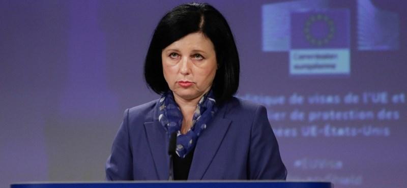 Az Európai Bizottság alelnöke fake newsnak nevezte a nemzeti konzultáció kérdését