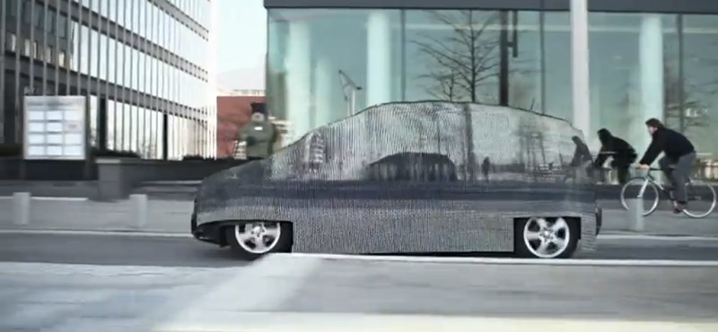 Láthatatlan autóval sokkolta a németeket a Mercedes (videó)