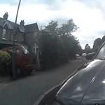 Videó: Lefilmezte a bicajos, ahogyan elgázolják