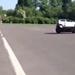 A világ legolcsóbb kocsija, a legveszélyesebb is?
